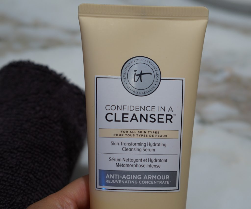 it cosmetics confidence in a cleanser packaging