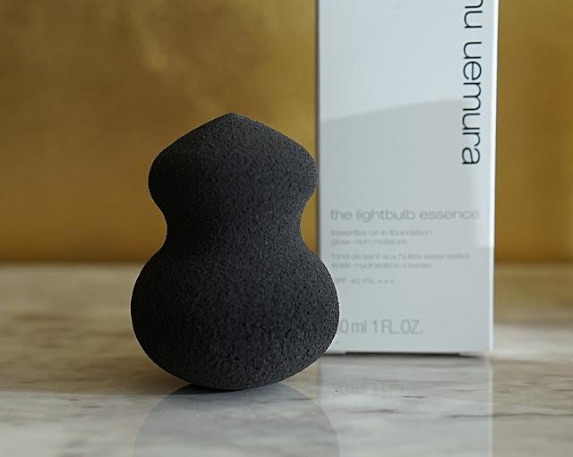 shu uemura lightbulb essence foundation review sponge
